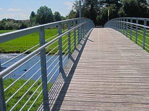 bridge-81823_640